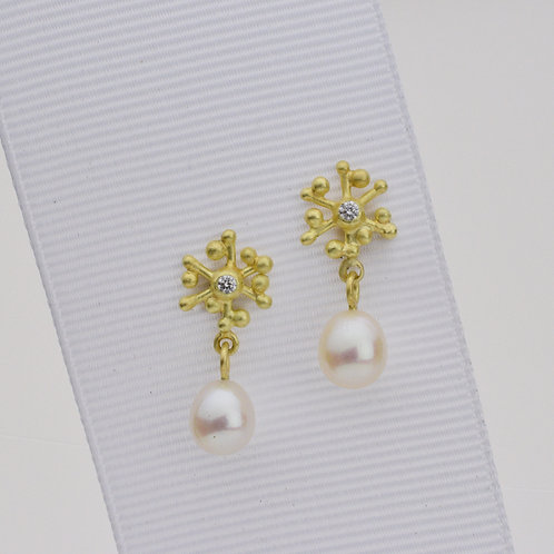 Snowflake and Diamond Earrings With Pearls