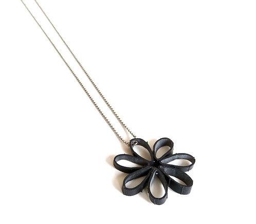 Collier long fleur