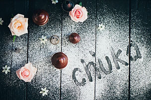 Chuka chcolate candies and roses