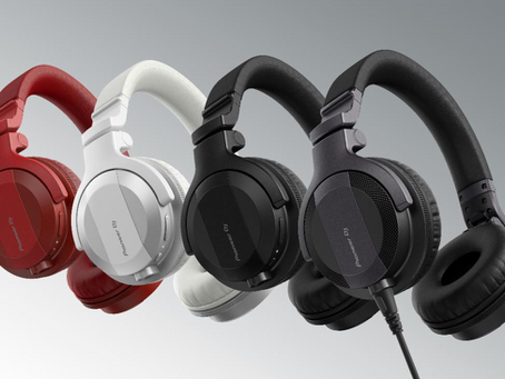 Start your DJ journey with HDJ-CUE1 headphones!
