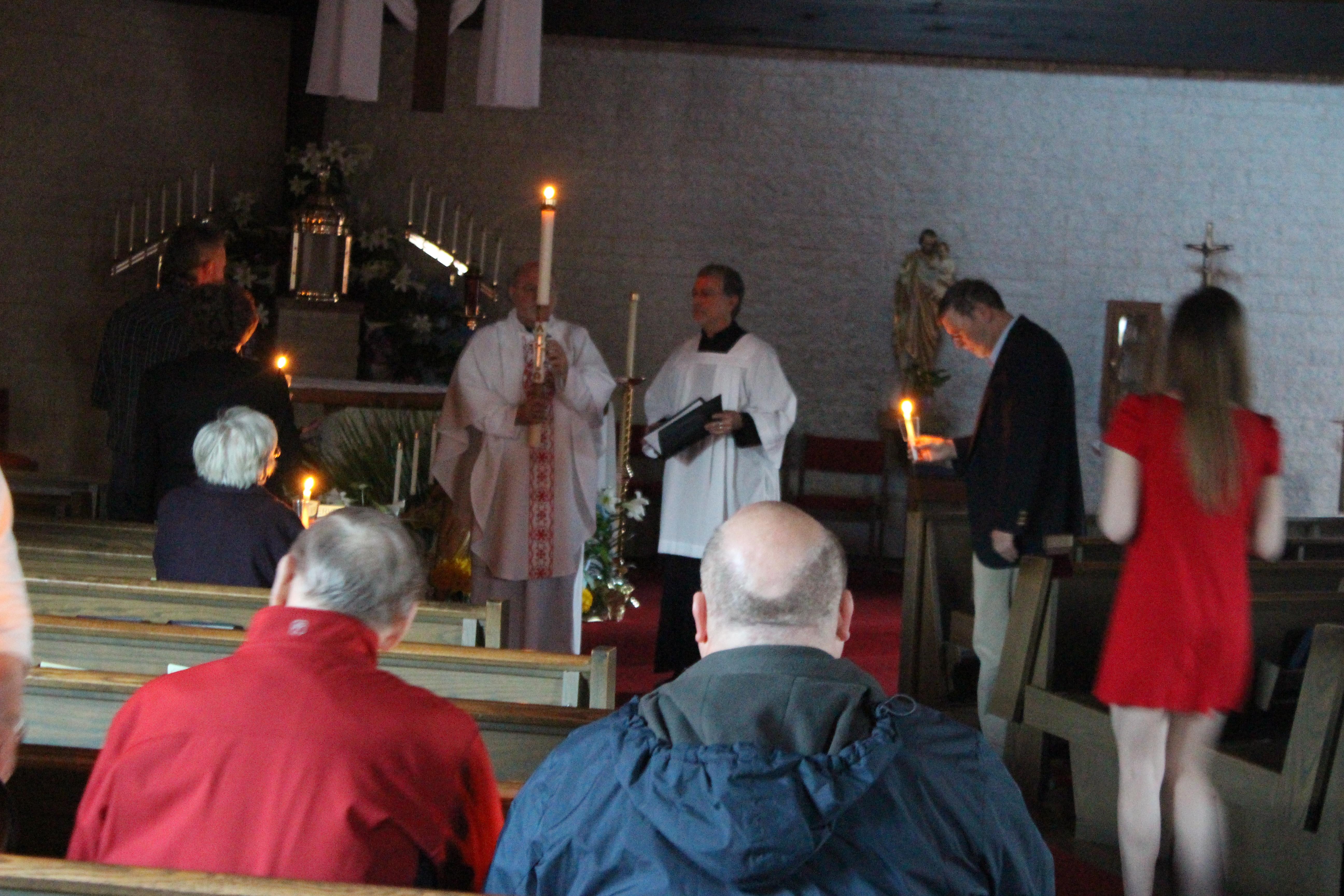 Easter Vigil 2015 (5).JPG