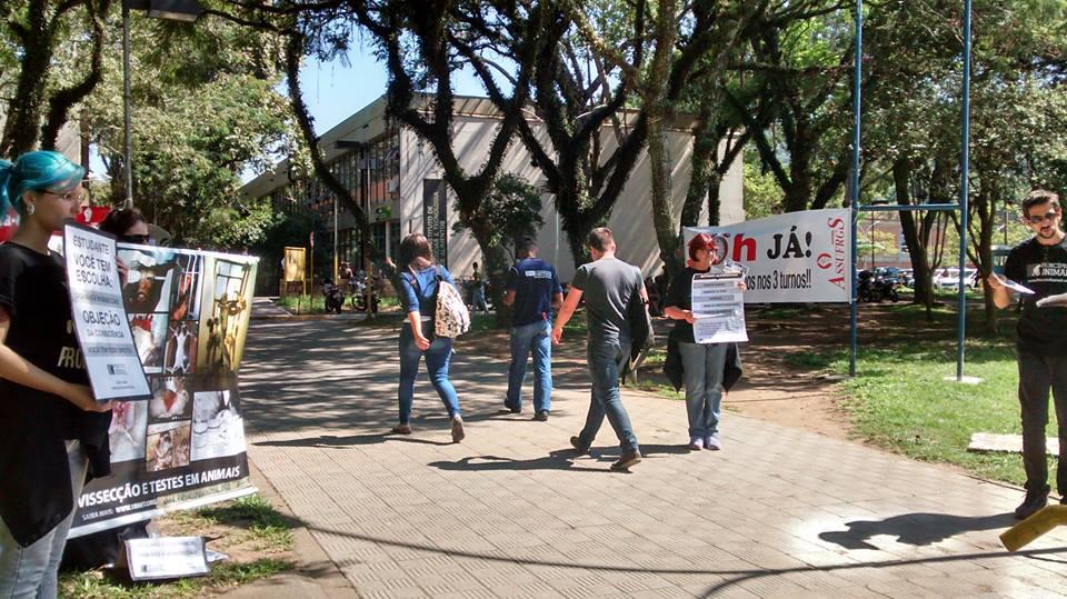 Protesto UFRGS Experimentação animal