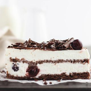 CROISSANT DELICE Black Forest Cake 2.jpg
