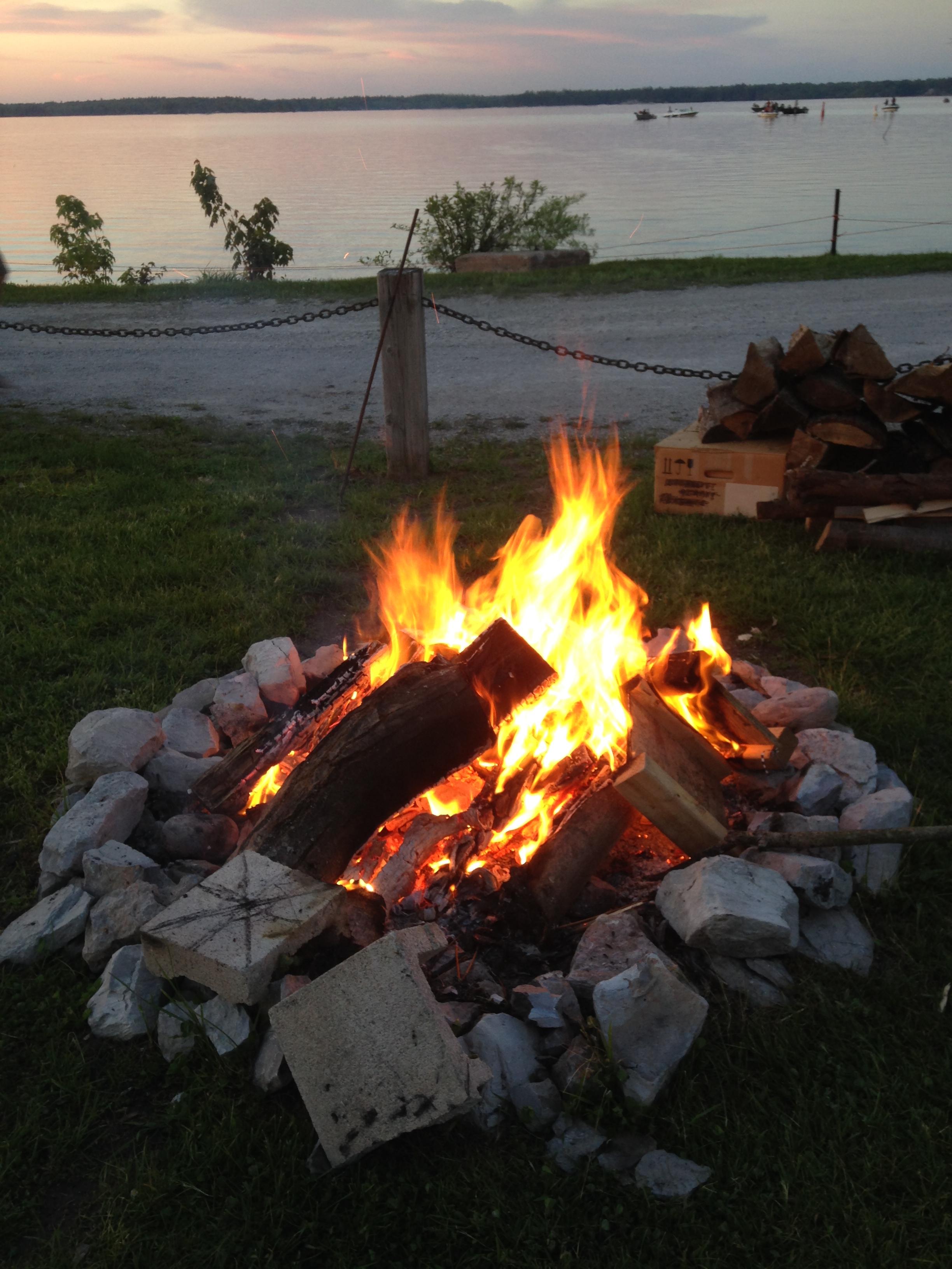 Enjoy a nice Camp Fire