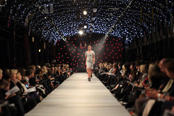 iD+Dunedin+Fashion+Show+Runway+OLkdx5v77