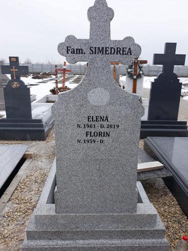 Monumente funerara granit gri deschis