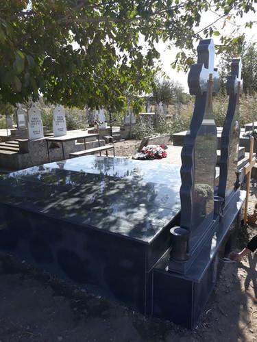 Set monumente funerare granit