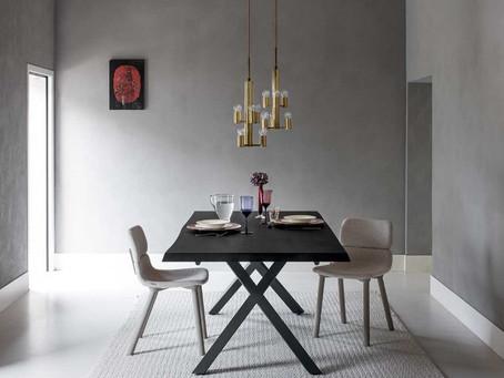 Board, il tavolo con sagomatura irregolare