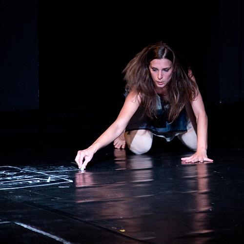 Divadlo hudby, Jelena Kostić: A Mood For Deep Longing – Přísliby versus hrozby