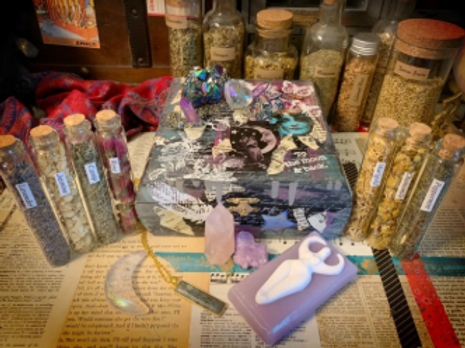 Hollywood Diva Witchy Box