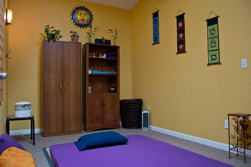 Shared massage space for rent in Gresham, Oregon. Six Elements Bodywork