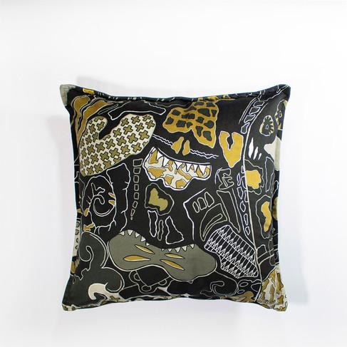 Zhi Zhulu Camoflauge cushion