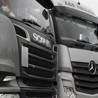 Haulage-Refrigerated-Trailers-Curtain-Si