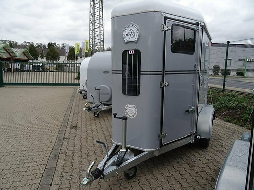 Pferdeanhänger Fautras Provan Classic Comfort Sattelkammer