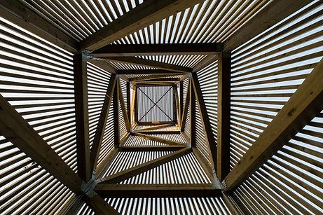 La salida del sol desde abajo Arquitectu