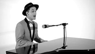 Bobby Bonev - Piano Vocalist