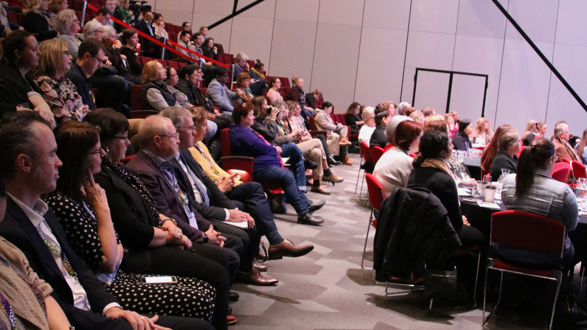 Crowd Saturday Plenary.jpg
