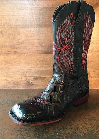 """The Flank Rider"" in American Alligator  (Black Cherry)"