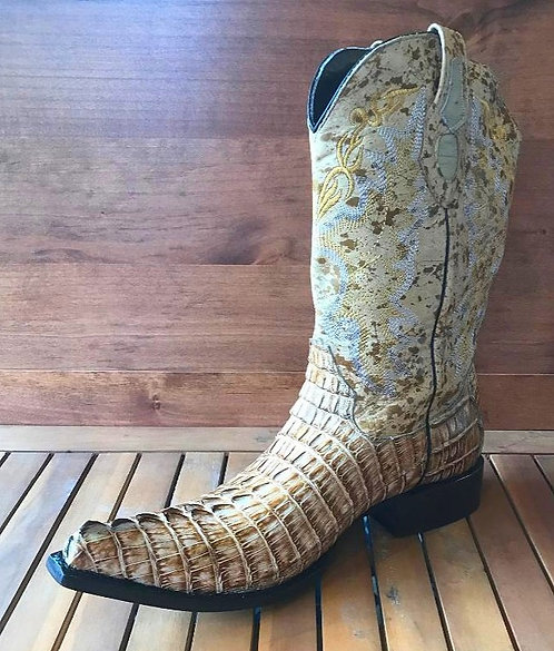 """The Point Rider"" in Caiman Tail (Straw)"