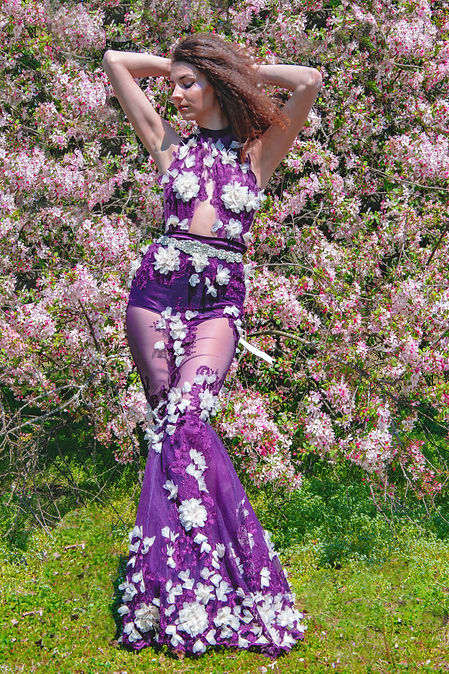designs by cassidy burel shot by dancing grass