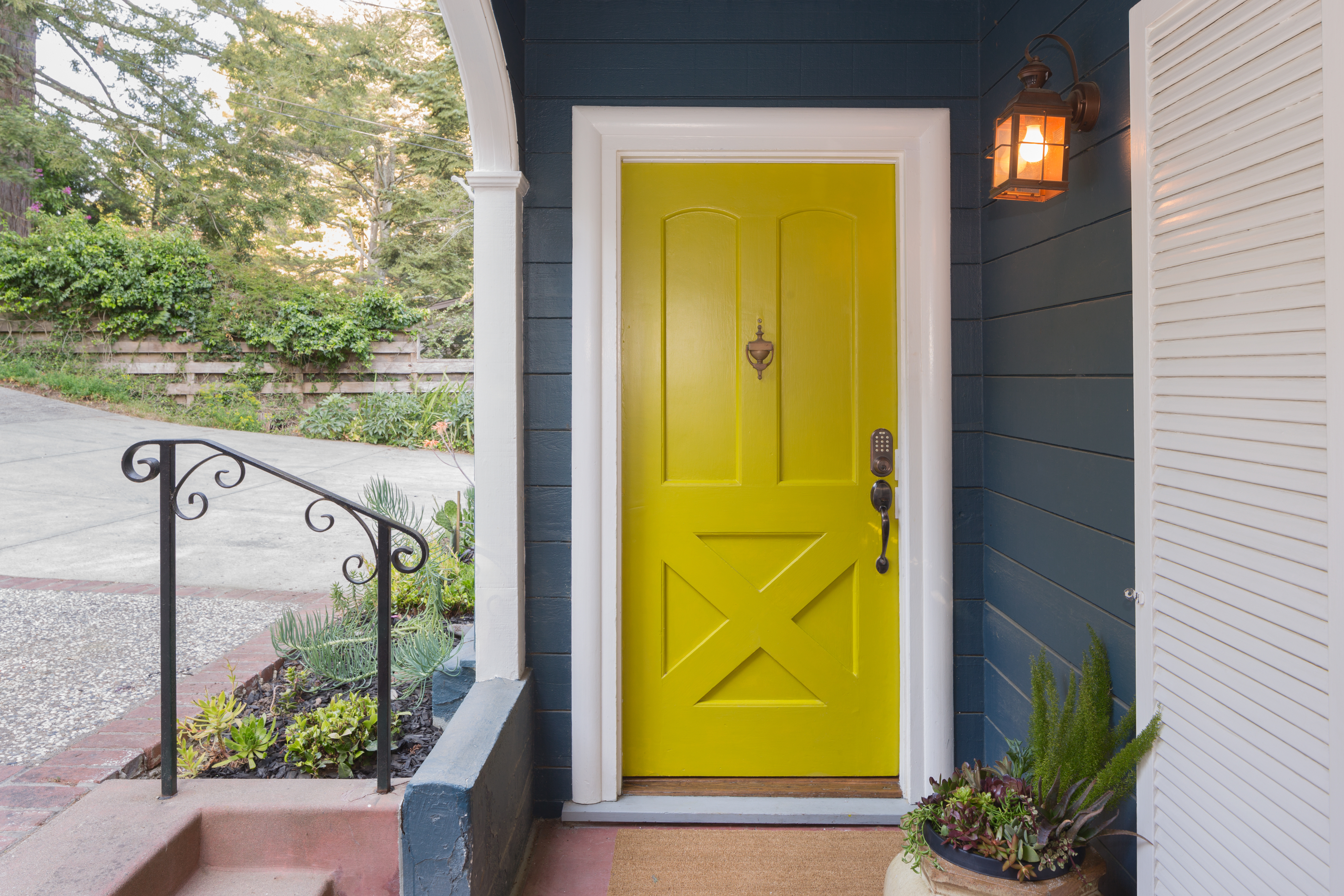 Door installation in Portland