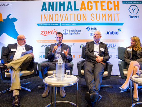 BunyaVax CEO on stage at Animal AgTech Innovation Summit