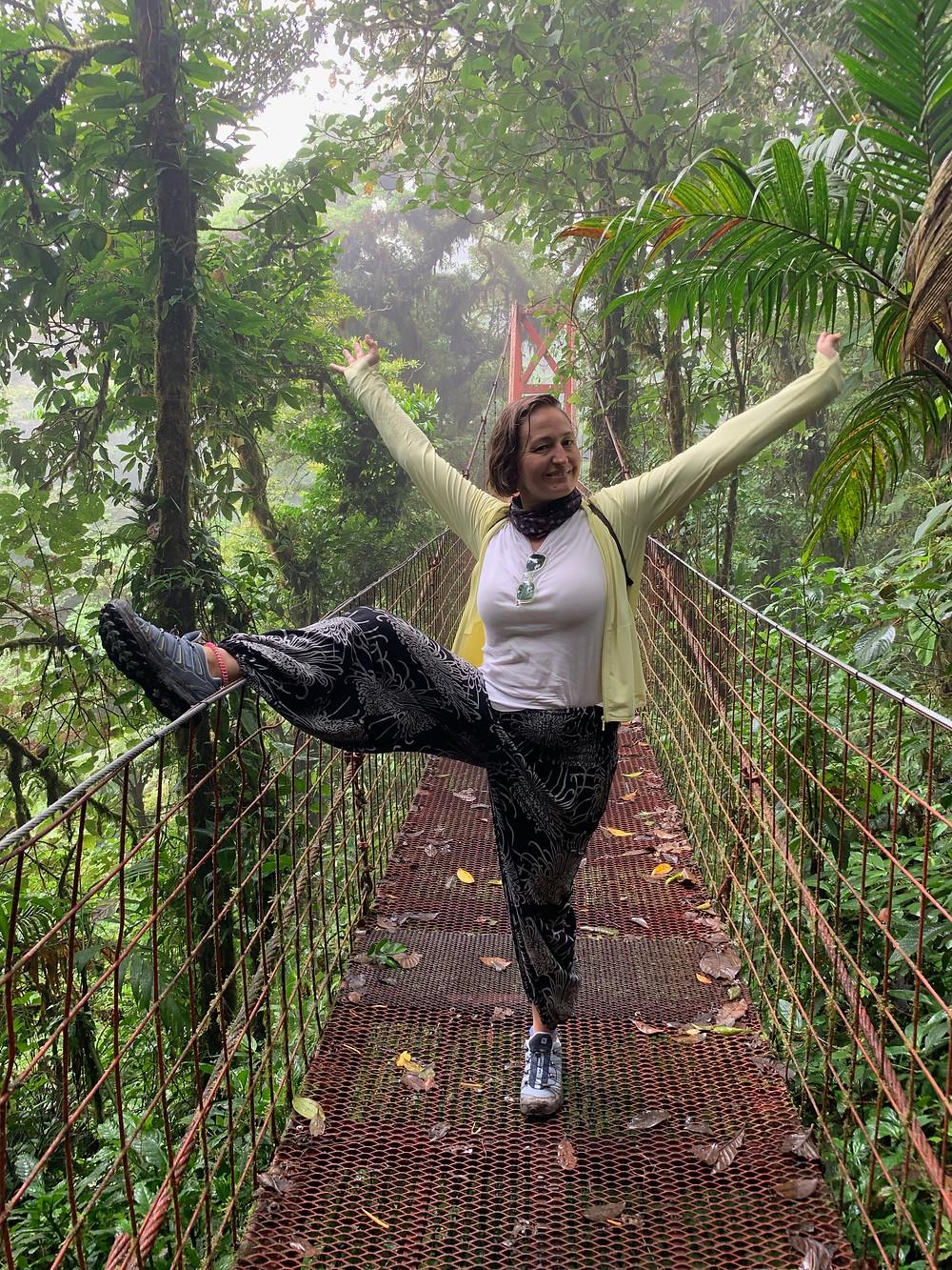 Monteverde ormanındaki asma köprü, Kosta Rika