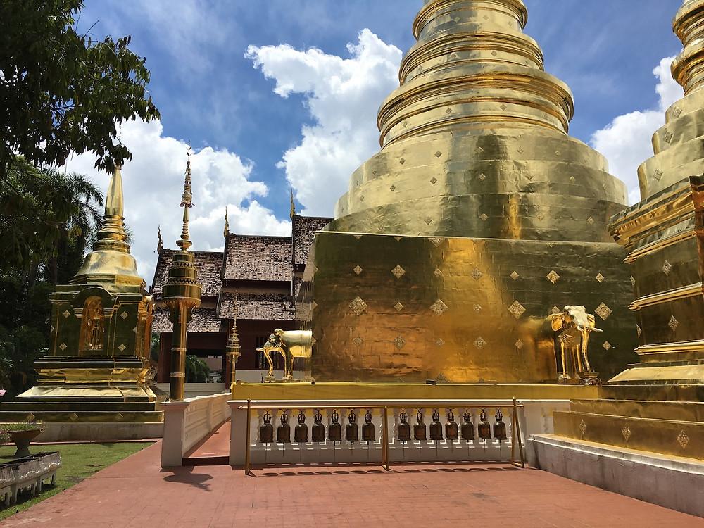 Wat Pra Signh içerisindeki Chedi