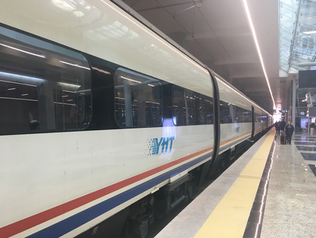 Kendi Hızlı Yolculuğu Yavaş Tren