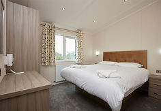 Legends 2022 Sanderling Bedroom.jpg