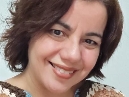 Ana Ramos: 'Busco interação na minha arte', por Regina Alves