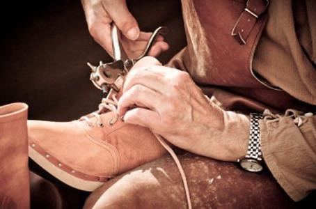 Conserto de sapatos, por Fábio Rodrigo