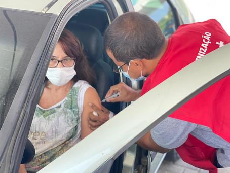 Maricá recebe mais 4.150 doses de AstraZeneca e inicia imunização de professores