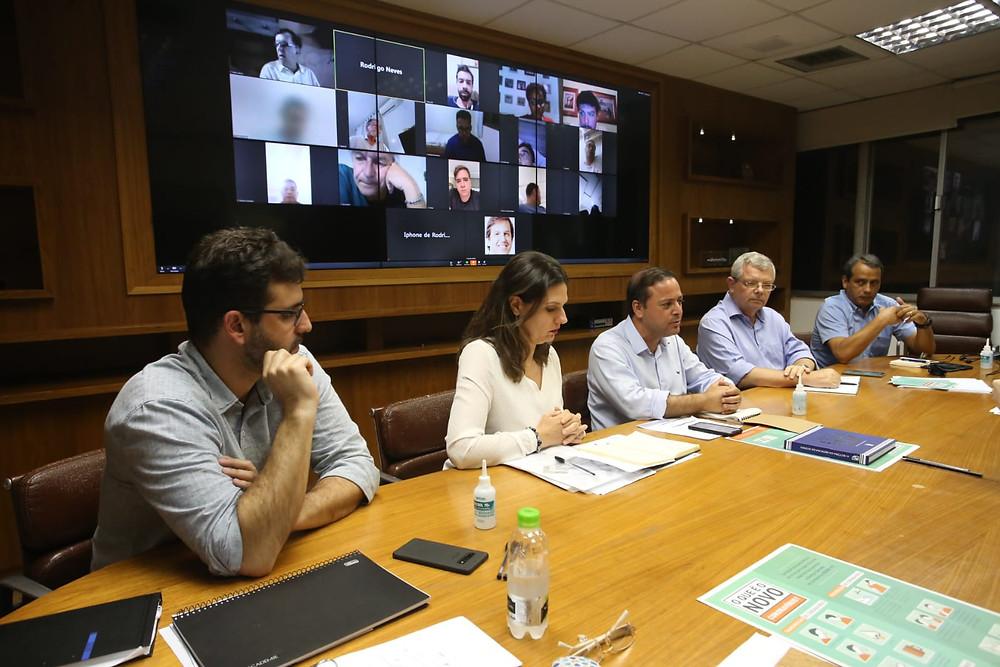 Prefeito Rodrigo Neves fez video-conferência com vereadores/Foto: Divulgação