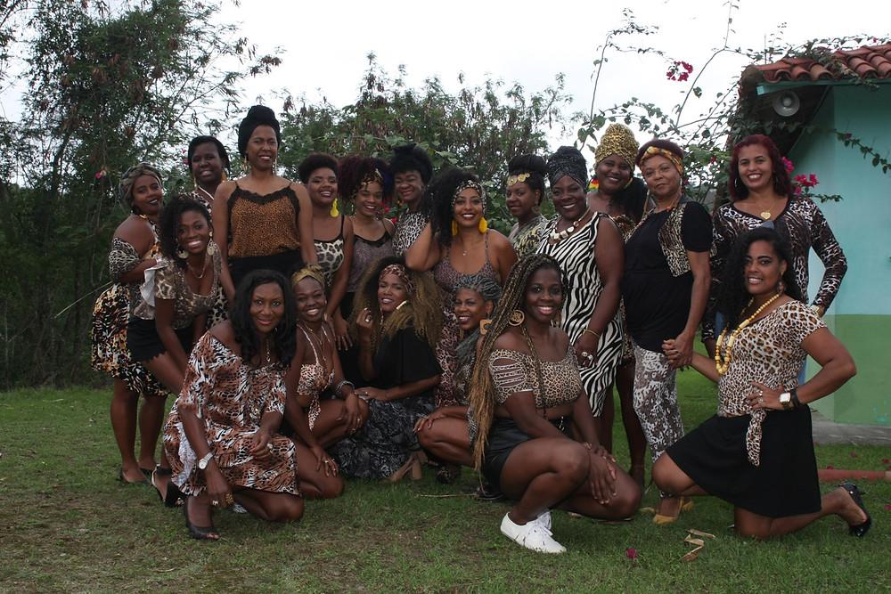 A exposição teve origem de um ensaio fotográfico com 18 mulheres negras gonçalenses/Foto: Divulgação