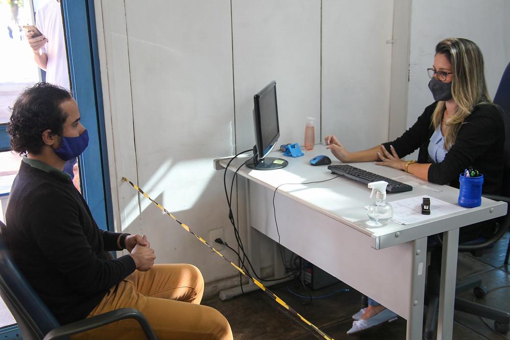 Microempreendedor solicitando informações/Foto: Divulgação