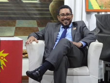 Defensor ferrenho das prerrogativas do advogado, Enzo busca reeleição na OAB