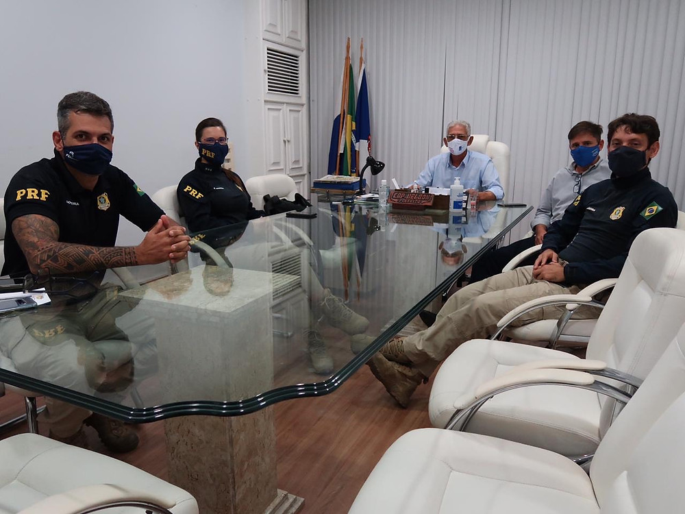 Prefeito recebeu agentes em seu gabinete/Foto: Divulgação