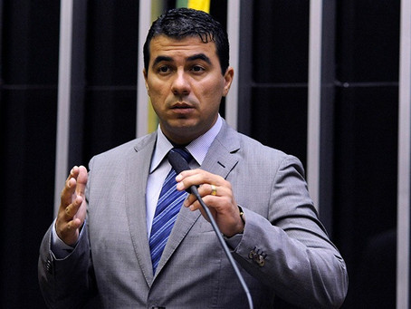 Deputado deu a letra, mas Bolsonaro nada fez contra a roubalheira da Covaxin