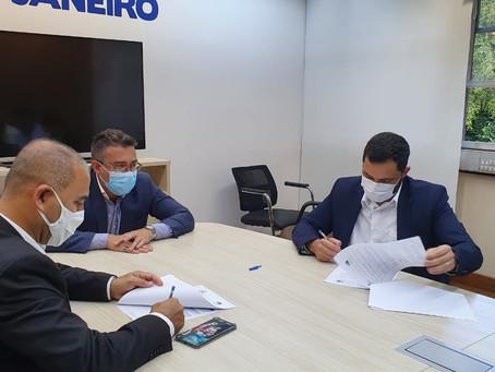 AgeRio assina contratos com São Gonçalo, Iguaba Grande e Rio das Flores
