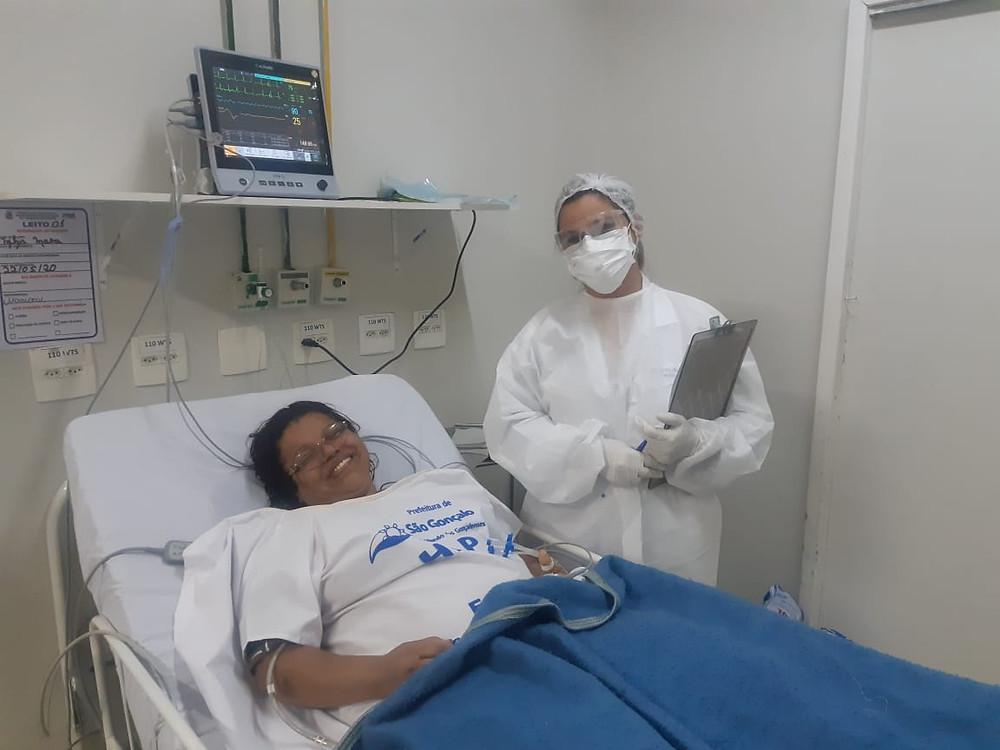 Em isolamento, familiares e pacientes tem a aflição diminuída através da atuação da equipe de informação do hospital/Foto: Divulgação