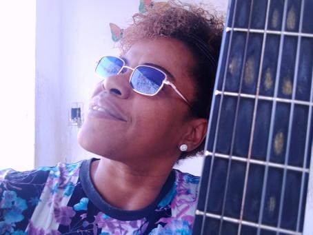 Rose Bueno: autêntica e insubordinada, por Regina Alves