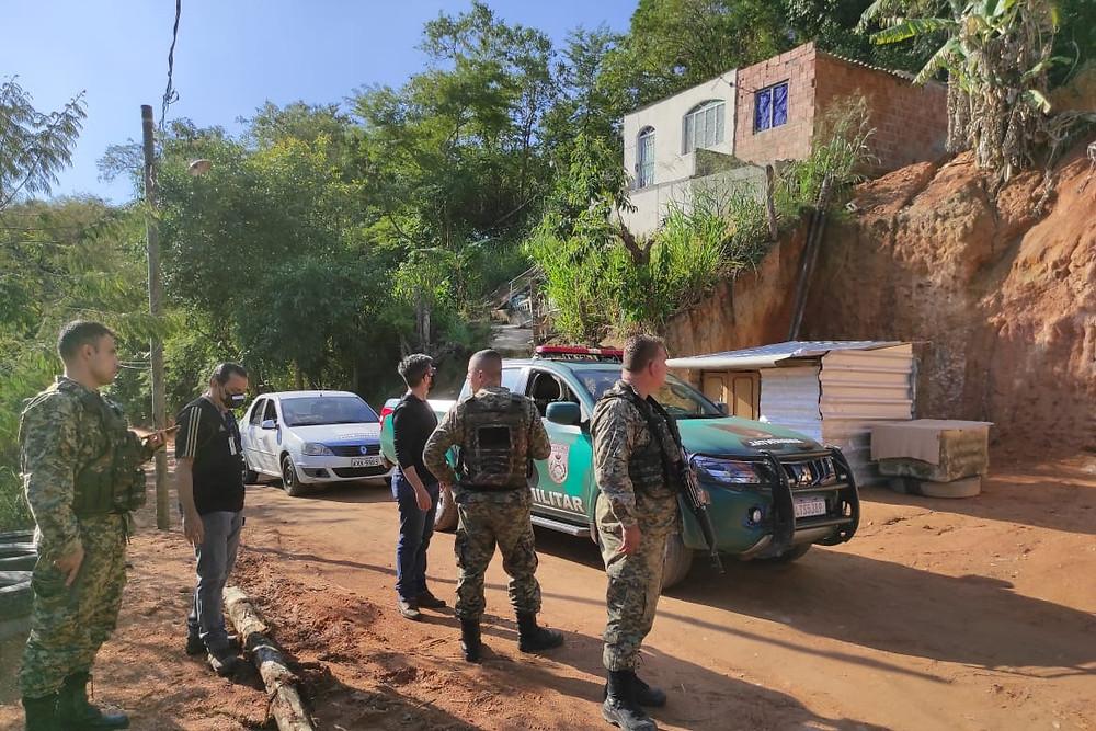 Agentes impediram continuidade de construção/Foto: Divulgação