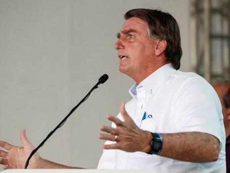 'Vão ficar chorando até quando?', reclama Bolsonaro. Fala repercute no mundo