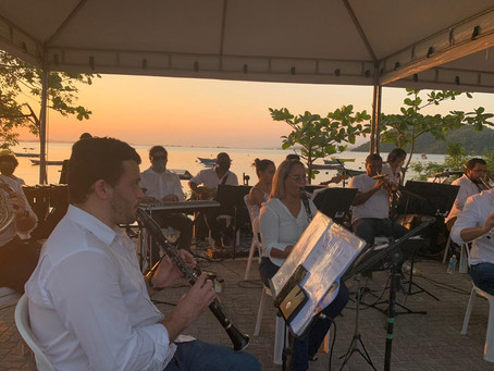 Orquestra Municipal se apresenta no Pôr do Sol das Pedrinhas