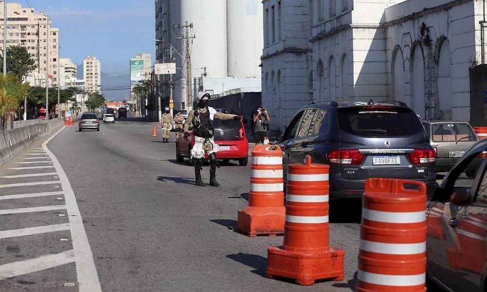 Várias barreiras foram montadas na estradas da cidade/Foto: Divulgação