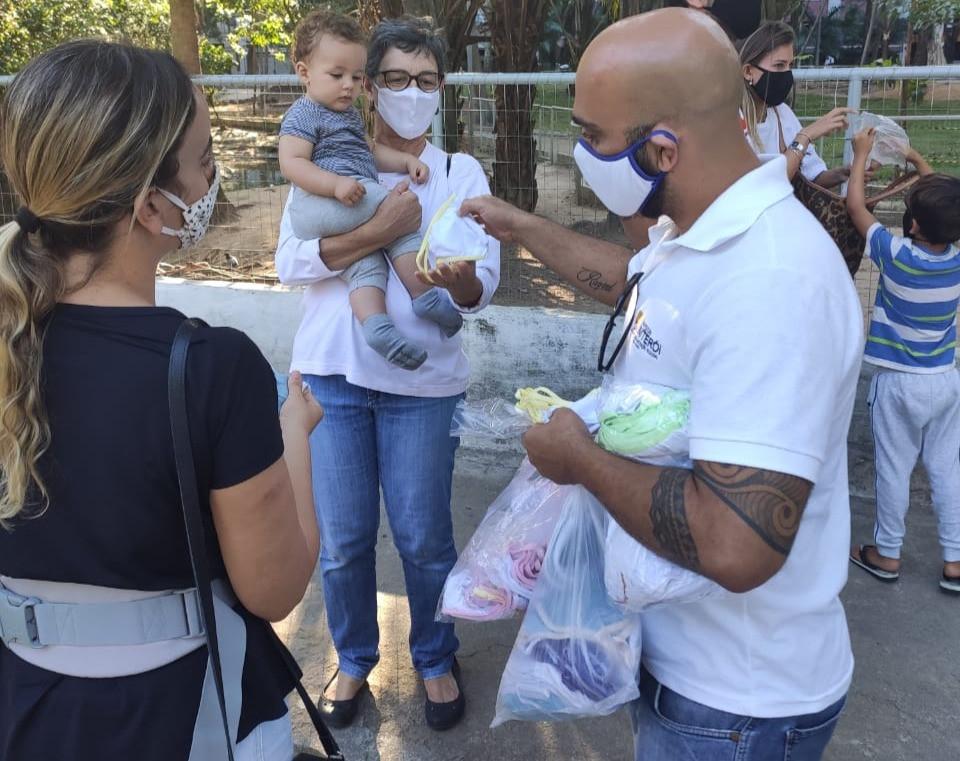 Máscaras foram distribuídas no Campo São Bento/