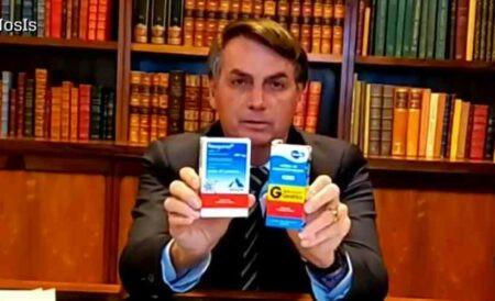 Lobista da cloroquina, Bolsonaro vende a droga até em live