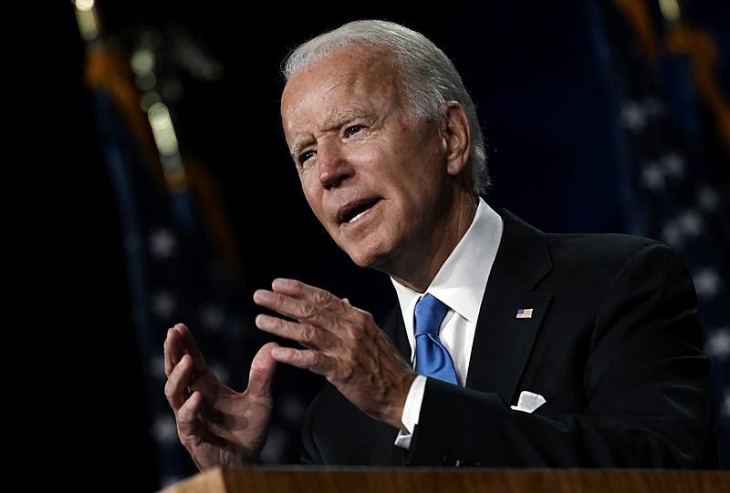 Joe Biden foi vice-presidente de Obama e atualmente tem 77 anos / Foto: Olivier Douliery/AFP