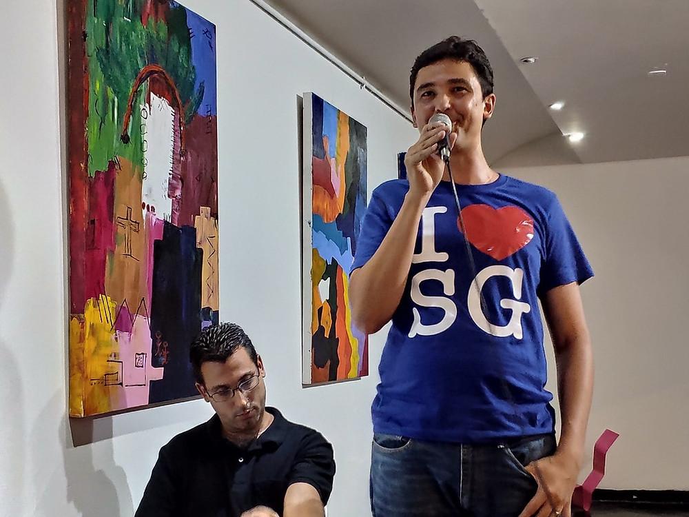 Mário Lima Jr., de pé, na EC de outubro de 2019/Foto: Divulgação
